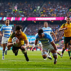 Australia down Pumas to reach World Cup final